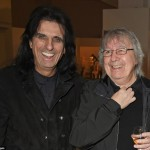 464FD89900000578-5084853-Jokers_Alice_was_also_seen_posing_with_former_Rolling_Stone_Bill-a-19_1510758484526